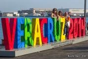 Probablemente el lugar más fotografiado de los pasados Juegos Centroamericanos, en el mero puerto de Veracruz. En la imagen aparecen Anna Legnani, directora de comunicación de la IAAF, y los periodistas Katya López y Gustavo Borges.