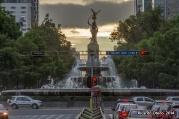 Pocos minutos después del amanecer, un ángulo al que a veces se le pone atención en la Ciudad de México y en el que parece que se unen dos de sus más grandes monumentos: el Ángel de la Independencia y la Diana Cazadora, sobre Paseo de la Reforma.
